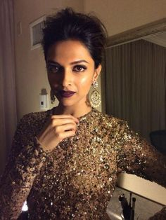 Deepika Padukone's Indian Earrings Collection Bollywood Celebrities, Bollywood Fashion, Bollywood Actress, Bollywood Makeup, Bollywood Style, Rihanna, Deepika Padukone Style, Deepika Ranveer, Shraddha Kapoor