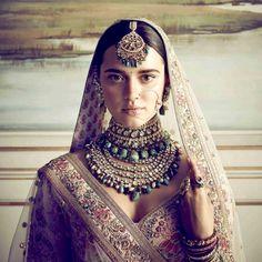 #Sabyasachi #SummerCouture2018 #LeClubDeCalcutta #DestinationWeddings #SabyasachiAccessories #SabyasachiJewelry #TheWorldOfSabyasachi #bridesofsabyasachi #sabyasachijewelry #jewelry #bridaljewelry #indianbrides
