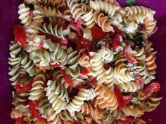Pasta a la Checca por Joselyn Silva #Pasta #cehcca #colores #diy #platillo #chef #easy #receta #recetasitacate #itacate #aniversario #fiestas #ligth