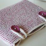 25 Laptop Sleeves & Cases: Free Tutorials & Patterns - Laptop - Ideas of Laptop - 25 Laptop Sleeves & Cases: Free Tutorials & Patterns Crochet Laptop Case, Crochet Case, All Free Crochet, Crochet Purses, Crochet Hooks, Crochet Laptop Sleeve, Tunisian Crochet, Knit Crochet, Afghan Crochet Patterns