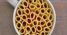 You can make these eye-catching mini rigatoni pasta pies in a coffee mug. Just rigatoni pasta, melted mozzarella cheese, marinara sauce, and fresh basil. Use GF pasta. Rigatoni Pasta Pie, Pasta Casserole, Rigatoni Recipes, Salsa Marinara, Marinara Sauce, Mug Recipes, Cooking Recipes, Cooking Pasta, Jars