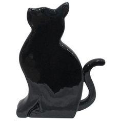 gato decorativo preto
