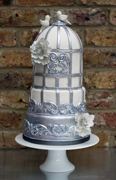 Cake Decorating Ideas Project On Craftsy Baroque Bird Cage Pretty Cakes, Beautiful Cakes, Amazing Cakes, Bird Cage Cake, Dummy Cake, Silver Cake, Cake Trends, Novelty Cakes, Fancy Cakes