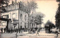 La sortie des établissements Panhard-Levassor de l'avenue d'Ivry, vers 1905  (Paris 13ème)