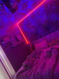 Neon Bedroom, Cute Bedroom Decor, Teen Room Decor, Room Ideas Bedroom, Bedroom Inspo, Chill Room, Cute Room Ideas, Indie Room, Aesthetic Room Decor