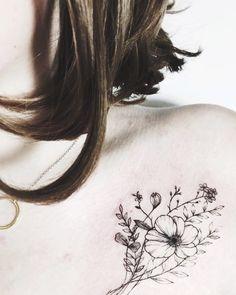 #tattoo #flowertattoo #sashatattooing #tattoogirl