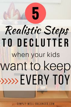 Try these simple tips to give minimalism with kids a go! How to declutter and organize when your kids want to keep everything. Minimalism for families. House Cleaning Tips, Spring Cleaning, Cleaning Hacks, Minimalist Kids, Minimalist Living, Minimalist Lifestyle, Minimalist Parenting, Step On A Lego, Clutter Control