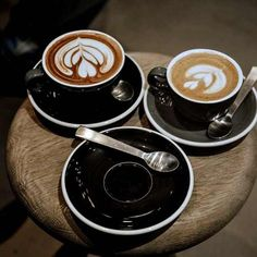 The first cup of coffee is a necessity a second one is a pure pleasure. Coffee Break, Coffee Time, Healthy Nutrition, Healthy Snacks, Cappuccino Art, Italian Coffee, Java, Italian Recipes, Latte