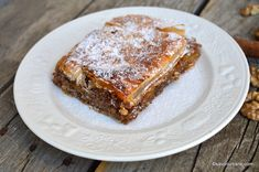 felie de placinta cu mere si scortisoara reteta savori urbane Romanian Food, Banana Bread, French Toast, Deserts, Dessert Recipes, Vegan, Cooking, Breakfast, Sweet