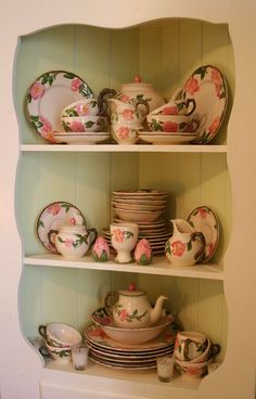 Vintage Franciscan china - Kitchen Tour: Lisa's Homage to Her Mom's Kitchen