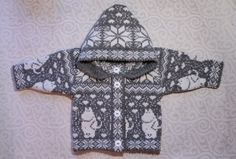 Trendy winter cardigan for children with moomin by LanaNere Knitting For Kids, Baby Knitting Patterns, Crochet For Kids, Knit Crochet, Winter Cardigan, Baby Cardigan, Les Moomins, Tricot D'art, Fair Isle Pattern