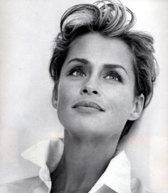 Lauren Hutton Photos - Lauren Hutton Picture Gallery - FamousFix - Page 2 Lauren Hutton, Natalia Vodianova, Linda Evangelista, Christy Turlington, Hollywood Icons, Old Hollywood, Timeless Beauty, Classic Beauty, Belle Nana