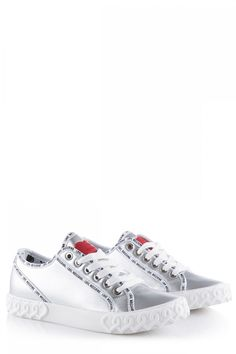 Love Moschino Damen Sneaker Silber | SAILERstyle Moschino, Sneakers, Shoes, Fashion, Script Logo, Red, Tennis, Moda, Slippers