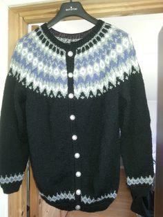 Jakke, etter genser-oppskrift 91002 (Järbo) Nordic Sweater, It Is Finished, Pullover, Projects, Sweaters, Fashion, Log Projects, Moda, Blue Prints