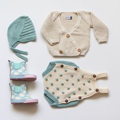 "Spring is in the air: Jasmin cardigan in Vanilla, Lina hat in Mint and Stella romper in Mint/ Vanilla. ""Spring is in th Knitting For Kids, Baby Knitting Patterns, Baby Patterns, Knitted Baby Clothes, Knitted Romper, Baby Outfits, Kids Outfits, Brei Baby, Tricot Baby"