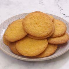 Biscuit Recipe Video, Biscuit Dessert Recipe, Sugar Cookie Recipe Easy, Butter Cookies Recipe, Dessert Recipes, Easy Desserts, Custard Biscuits, Custard Cookies, Coconut Biscuits