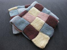 Ravelry: Garter Stitch Blanket pattern by Debbie Bliss Loom Knitting Patterns, Crochet Blanket Patterns, Baby Blanket Crochet, Knitting Stitches, Knitting Projects, Baby Knitting, Crochet Projects, Knitted Baby, Sweater Patterns