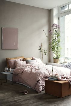 Pink bedroom | photo by Pia Ulin & styling by Lotta...