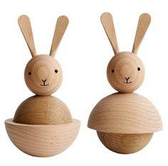 얼굴은 같지만 몸체를 두가지 형태로 단순화 시켜서 제작 Rabbit Nature by OyOy (en vente ici : http://www.espritnordik.com/fr/decoration/538-rabbit-nature.html)