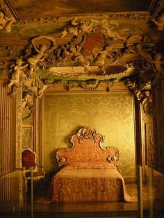 Bedroom in Sagredo palace, Venice, Italy.