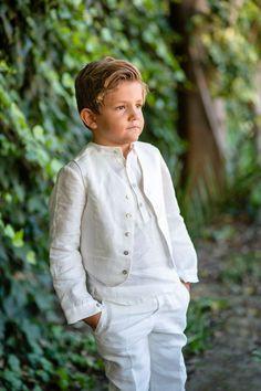 traje de niño en lino