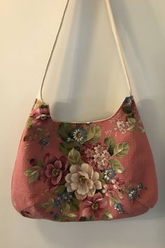 Handmade vintage 1940s nubby pink barkcloth shoulder handbag by Linensandlooms on Etsy