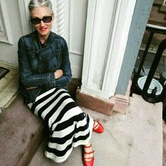 Linda Rodin - fashion over 50 Mature Fashion, Fashion Over 50, Look Fashion, Womens Fashion, Girl Fashion, Mode Ab 50, Mode Cool, Mode Simple, Neue Outfits