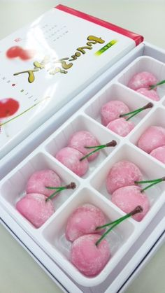 japancandybox: ❤ Japan Candy Box ❤ The Sweetest Monthly Japanese Candy Subscription Box ❤ Japanese Candy, Japanese Sweets, Japanese Food Art, Cute Food, Yummy Food, Mochi Ice Cream, Japanese Wagashi, Pink Foods, Cute Desserts