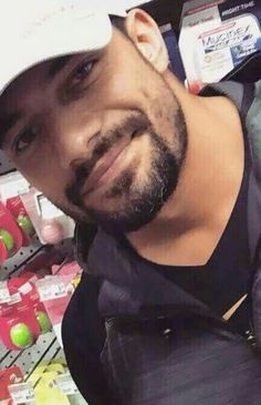 Roman reigns is sexy as hell 😙😚😍 Roman Reigns Memes, Wwe Roman Reigns, Roman Reigns Smile, Roman Regins, Wwe Superstar Roman Reigns, Clint Walker, The Shield Wwe, Wrestling Superstars, Wwe World