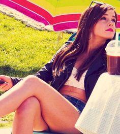 37+ Beautiful Emma Watson Style For Summer https://montenr.com/50-beautiful-emma-watson-style-for-summer/