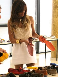 Falda (Zara Old)   Camiseta (Sfera) 19,99  Zapatos (Magrit Old)  Anillo (Blanco) 5,99  Collar (Blanco) 9,99  Pulseras (Pistacho) 15,00 u.