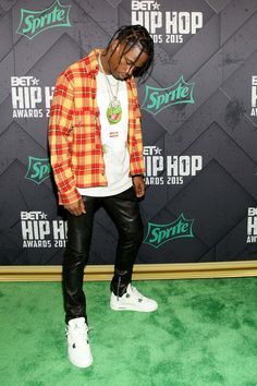 Celebrity birthdays 30 April: Leigh Francis, Travis Scott and Kirsten Dunst, Travis Scott Outfits, Travis Scott Fashion, Travis Scott Style, Kirsten Dunst, Black Men Street Fashion, Mens Fashion, Fashion Outfits, Estilo Hipster, Flannel Outfits
