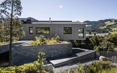 Villa Kohlhofen Villa, Haus Am Hang, Barn, Patio, Outdoor Decor, Home Decor, Houses, Style, Minimalist Architecture