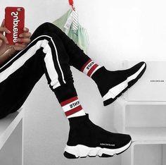 Mens fashion style to buy balenciaga sneakers like track sneakers triple s sn Balenciaga Sneakers Outfit Balenciaga buy fashion Mens sneakers style Track triple Mode Shoes, Sneakers Mode, Sneakers Fashion, Shoes Sneakers, Sneakers Style, Kicks Shoes, Shoes Men, Men's Shoes, Sneaker Outfits