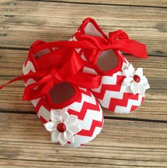 Hey, I found this really awesome Etsy listing at http://www.etsy.com/listing/164770751/chevron-crib-shoes-first-christmas-shoes