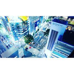Instagram【takako_tiffany】さんの写真をピンしています。 《Sony Building 50th Anniversary ✴❇新しいショールームは、銀座プレイスにオープン。行くのが楽しみ😊 #Sony #ソニービル #銀座 #数寄屋橋 #50周年 #tokyo #写真好きな人と繋がりたい #ファインダー越しの私の世界 #イルミネーション #夜景#sonyalpha》