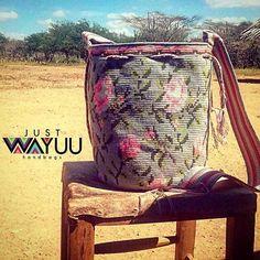 Just Wayuu ( Tapestry Bag, How To Make Handbags, Hippie Bohemian, Slow Fashion, Seoul, Outdoor Blanket, Ootd, Australia, London