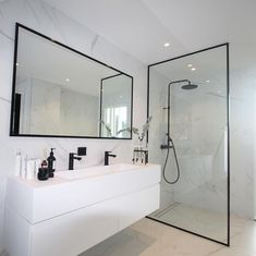 Most Popular Small Bathroom Remodel Ideas on a Budget in 2018 This beautiful look was created with c… Beliebteste kleine Badezimmer-Umbauideen mit kleinem Budget im Jahr 2018 Dieser schöne Look wurde mit … Bathroom Renos, Bathroom Renovations, Bathroom Faucets, Marble Bathrooms, Remodel Bathroom, Restroom Remodel, Bathroom Updates, Luxury Bathrooms, Glass Bathroom