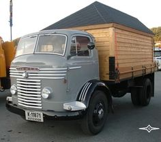 COMMER-C-741 Old Lorries, Road Transport, Truck Art, Old Tractors, Commercial Vehicle, Classic Trucks, Cars And Motorcycles, Wheels, Vans