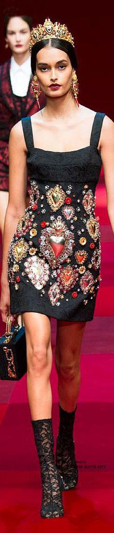 The Red Queen / karen cox.  Modern Fairytale Dolce & Gabbana Spring 2015 RTW