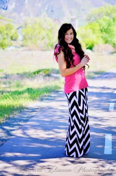 Chevron Maxi Skirt Outfit! (chevron maxi skirt, chevron outfit, chevron print, cottonwood canyon, maxi skirt, old mill, pink and chevron, pretty, striped maxi skirt, the old mill,)