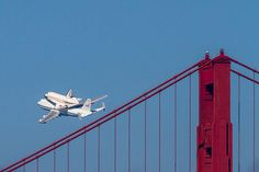 Space Shuttle over the Golden Gate Bridge Don't forget fleet week in a couple of weeks too! Join us to get some more great shots of airplanes and the Golden Gate Bridge :D Solar System Projects For Kids, Fleet Week, The Endeavour, Air Space, Wonderful Picture, Our Solar System, Space Shuttle, Great Shots, Golden Gate Bridge