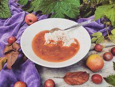 Luumu-omenakiisseli ilman lisättyä sokeria nyt blogissa. Kirpakka kiisseli sopii aamupuuron kaveriksi tai herkuteltavaksi kermavaahdon kera. 😋  #luumut #omenamehu  #blogi #kotiliesiblogit #kotiliesi #piparkakkutalonakka #ruokablogi #syksy #kiisseli #ilmanlisättyäsokeria Chana Masala, Cantaloupe, Flora, Pudding, Fruit, Ethnic Recipes, Desserts, Instagram, Tailgate Desserts