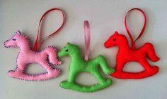 La cavalerie arrive!!! Cheval en feutre . Christmas Ornaments, Holiday Decor, Home Decor, Felt, Horse, Decoration Home, Room Decor, Christmas Jewelry, Christmas Decorations