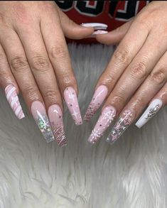 Best Picture For nails winter art For Your Taste You are looking for something, and it is going to t Aycrlic Nails, Xmas Nails, Bling Nails, Christmas Nails, Christmas Nail Designs, Coffin Nails, Nails Kylie Jenner, Cute Acrylic Nail Designs, Blue Nail Designs