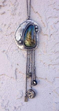 Dangling pendant