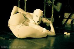 ++Saw Contorsion By Flor Siandro ++ PH: Flor Sciandro https://www.facebook.com/mariaflorencia.sciandro?fref=ts ARTISTA: Saw Contorsion https://www.facebook.com/akebat?fref=ts Vestuario : Cecil Vestuarios https://www.facebook.com/pages/Cecil-Vestuarios/1442932745934276 Show : Macabre Circus Show https://www.facebook.com/pages/Macabre-Circus-Show/1512102282334878?fref=ts
