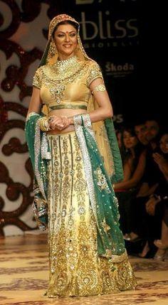 Like a #queen #Wedding.. http://www.myoffstreet.com/Product/61489