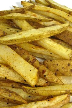 Skinny Fries...You bet! They're a fabulously healthy alternative to regular French fries. Each serving, 110 calories, 4g fat & 4 SmartPoints. http://www.skinnykitchen.com/recipes/skinny-fries/