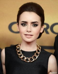 Lily Collins Make up